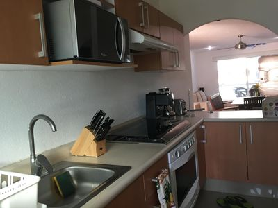 Photo for Nice confortable 2 bed. 2 bath condo in Acapulco