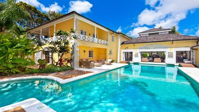 Photo for Sandy Lane Villa Close To The Beach And Holetown - Perfect For Large Groups