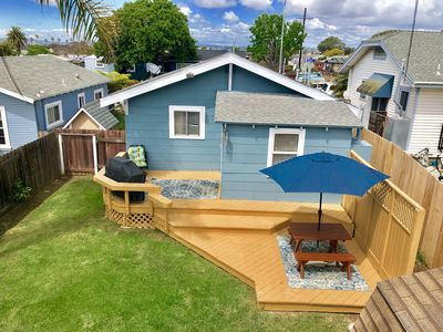 Clean and comfy beach house, fenced yard,walk to the beach,pet friendly.