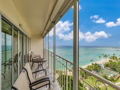 Ocean View Beauty! Full Kitchen, Free WiFi, A/C, Sound-Proof Sliders and More! Waikiki Shore #1310
