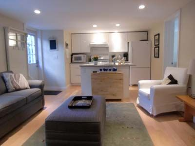 Photo for Kitsilano, 1 Bedroom Garden Level Suite