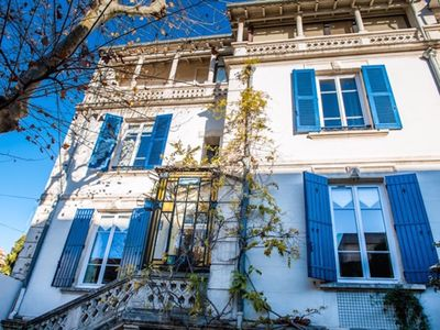 Photo for DISCOUNTS on light-filled home, heart of Provence, parking, walking distance to
