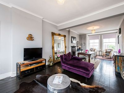Photo for Bright, stylish 3bed flat in West Hampstead