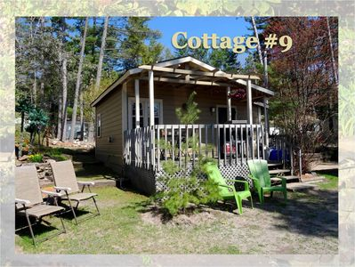 1 bedroom cottage, perfect for couples, deck with seating and BBQ