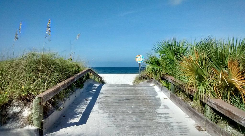 St Pete Beach Island Beach House-steps to...