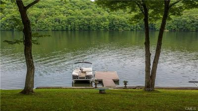 Beautiful Waterfront Lakefront House for Rent - 3 Bedrooms, 2 Baths