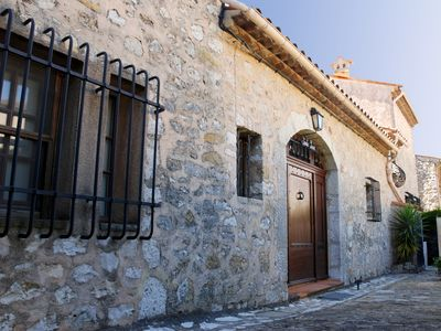 Photo for A villa of charm in the back provencal country