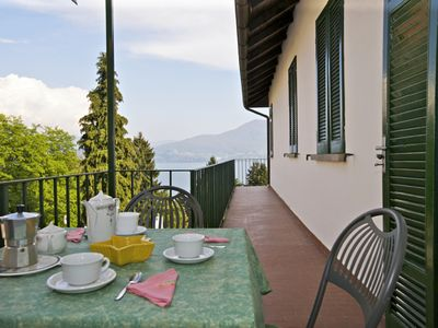 Photo for 2-room apartment with balcony and beautiful view of the lake