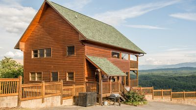 Photo for 'Luxury Cabin with Unforgettable Views'- Starr Crest Resort