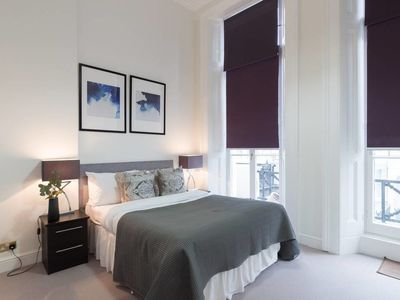 Photo for Luxury 2 bed flat w/balcony 5min to Earls Court