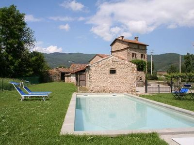 Photo for 3 Bedroom Tuscan Farmhouse & pool