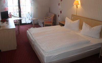 Photo for Double room with balcony / lake view + 1 A / bath - Hotel on the lakeside promenade