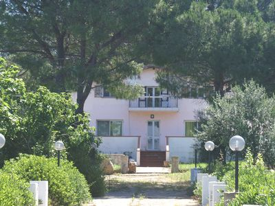 Photo for Detached villa 215 sqm; 4/5 bedrooms, wi-fi and air conditioning.