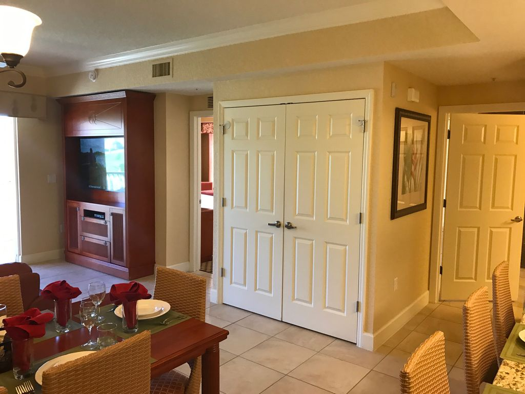 Westgate Town Center (Villas) Beautiful, self-contained suite with kitchen