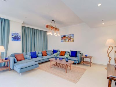 Photo for 2 Bedroom Apartment - Harbour and Skyline View