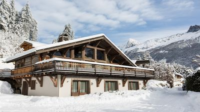 Photo for Chalet le Favre - beautifully renovated 6 bed chalet with hot-tub