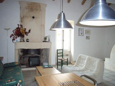 Photo for Carractère renovated cottage in the village in the Alpilles