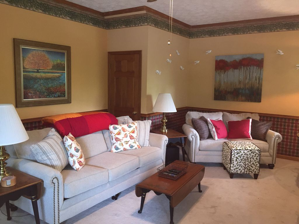 Fully Furnished Wifi Air Conditioned One Bedroom Apartment Black Mountain Blue Ridge Mountains