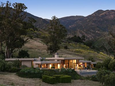 Photo for Rancho Los Gatos. Panoramic Ocean and Mountain views. Only 3 minutes to State St