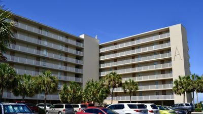 Photo for 2-Bed Condo with Large Balcony Overlooking the Gulf!