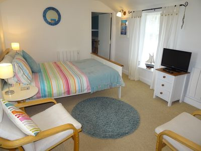 Photo for Cosy studio within walking distance of harbour, free wifi, parking and gardens
