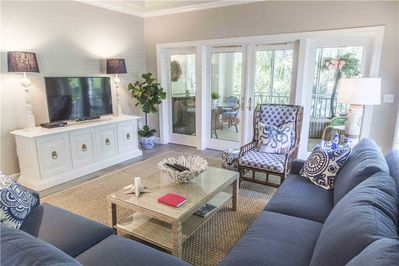 Wendover Dunes 8136 - Living Room with attached Porch
