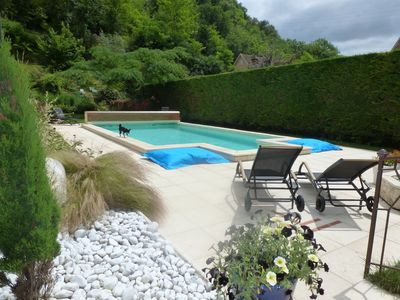 Photo for Independent house with heated pool (Perigord Noir hamlet)