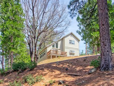 Photo for Yosemite Park Place has easy access year round and has a nice Yosemite forest and mountain view f...