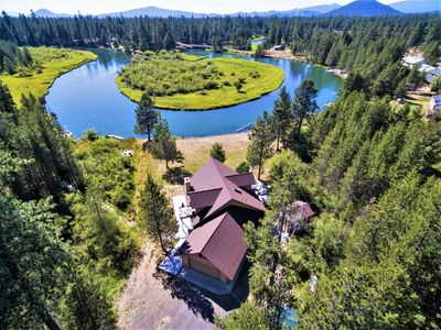 Photo for Beautiful river front home south of Sunriver!!