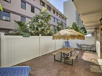 Nice space for 1-3 persons near the heart of Waikiki.
