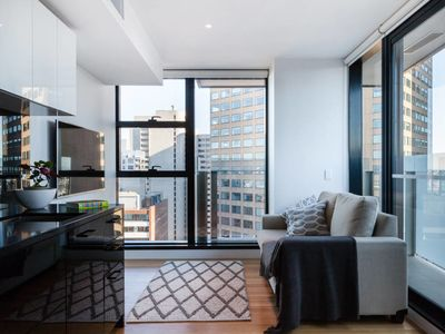 Photo for Logan, 2BED Sky-High SUPER Central