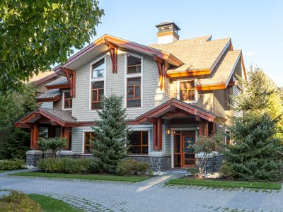 Photo for Whistler Platinum  Fitzsimmons Walk 19 - Luxurious 5 Star, 4 Bed Townhome