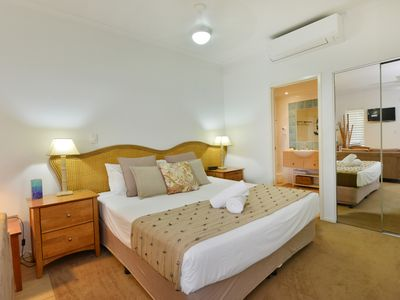 Photo for Seascape Holidays Studio Apartment at Portsea