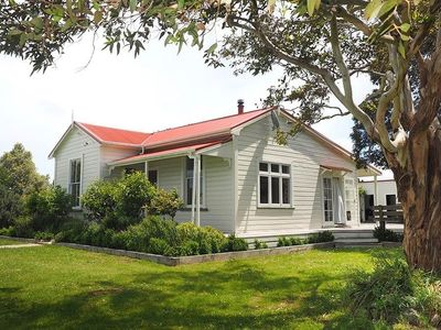 Photo for Monty's Cottage - Greytown Cottage