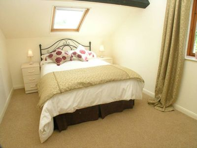 Photo for Falstaff Cottage - Sleeps up to 5 - Stratford upon Avon