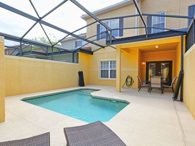 Photo for GATED RESORT COMMUNITY, FREE WIFI, AMENITIES AT CLUBHOUSE, CLOSE TO THEME PARKS!!