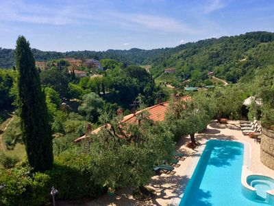 Photo for Holiday home L'Ulivo in Tuscany, swimming pool and fun in the countryside