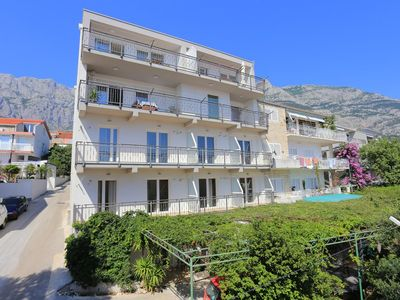 Photo for Three bedroom apartment with terrace and sea view Makarska (A-18332-a)