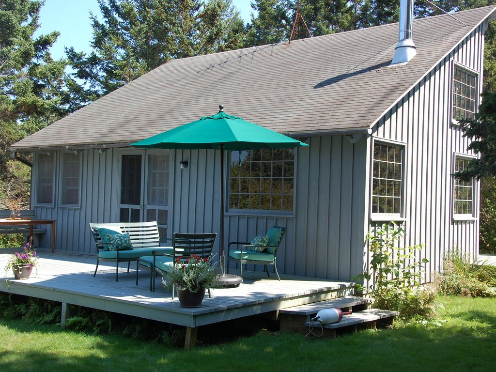 Prudhomme Cottage Bright Cozy Architectural HomeAway Bass - And architectural cottages on secluded private pond homeaway