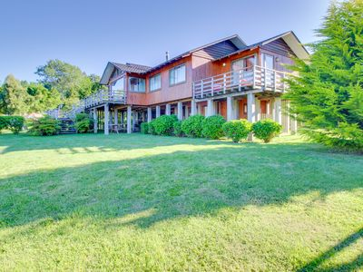 Lakeside dog-friendly home boasts ample accommodations for everyone!