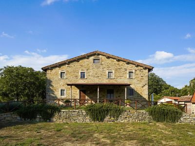 Photo for Spacious Holiday Home with Swimming Pool in Anghiari