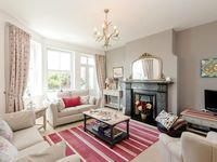 Beautifully furnished house in a great quiet location just 5 minutes walk from freshwater bay.