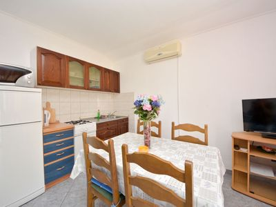 Photo for Apartment Nenadić in Vodice - 5 persons, 1 bedrooms