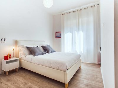 Photo for Lovely modern 2bed flat in a great area