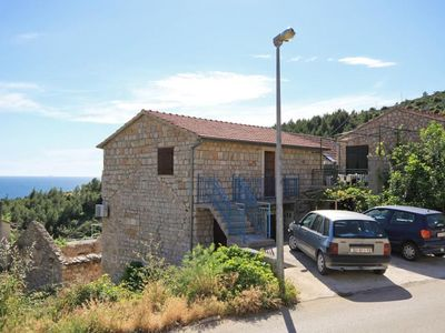 Photo for Apartment in Ivan Dolac (Hvar), capacity 4+1