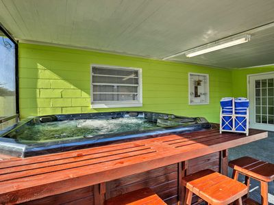 Photo for NEW-Renovated Tampa Home w/Hot Tub & Covered Patio