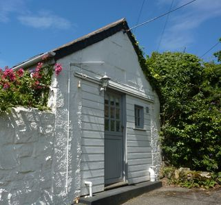 Photo for Artist's Studio, rural retreat nr Praa Sands Beach, Dog Friendly, secure garden