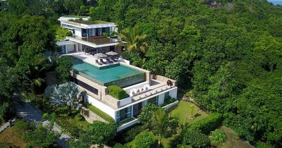 Photo for Luxury Four Bedroom with private pool and uninterrupted sea views