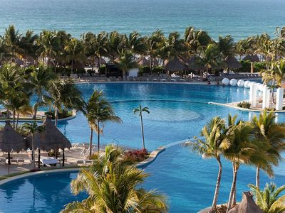Photo for Luxury Resort in Mexico -amazing service, 15 pristine pools, 17 bars/restaurants