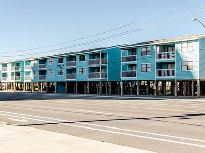 Gulf Shores~Convenient Location Across the street from beach~